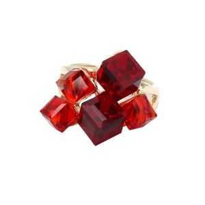 Red square crystal golden ring